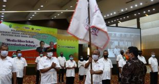 Ketua Umum SMSI Firdaus melantik pengurus SMSI Provinsi Riau