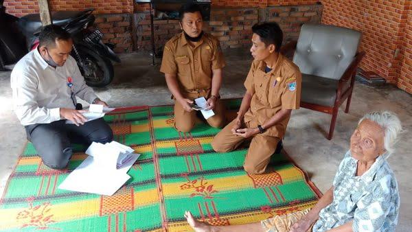 Penyerahan Bantuan Langsung Tunai kepada masyarakat Penerima mamfaat di Kinali