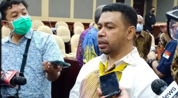 senator Filep Wamafma