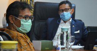 Menteri Pariwisata dan Ekonomi Kreatif Sandiaga Uno dan Gubernur Sumatera Barat Irwan Prayitno