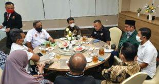 Kadisdik Adib Alfikri bersama FJKIP dan JPS membahas keterbukaan informasi publik