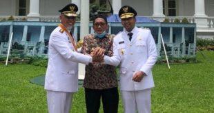 Wakil Walikota Padang Hendri Septa bersama Gubernur dan Wakil Gubernur Sumbar di Istana Negara