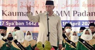 Gubernur Mahyeldi saat membuka khatam Hafidz Qur'an di MA KMM KAUMAN Padang Panjang