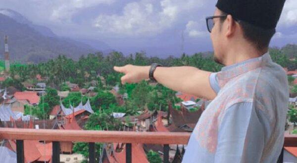 Menikmati keindahan seribu rumah gadang dari menara songket