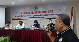 Ketua K2JPS Saribulih sampaikan perkembangan koperasi dalam Diskusi Tigabelasan JPS