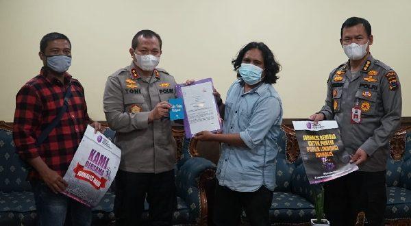 Ketua AJI Padang saat bertemu dengan Kapolda Sumbar beberapa waktu lalu.