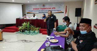 Ketua K2JPS Saribulih menghantarkan diskusi Tigabelasan JPS,