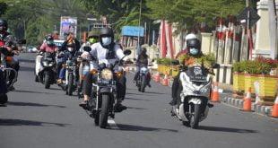 Walikota Padang, Hendri Septa berkeliling menggunakan sepeda motor