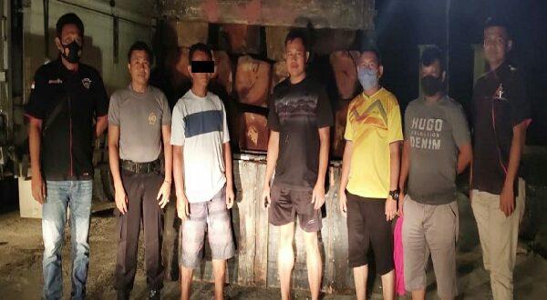Satreskrim Polres Dharmasraya amankan pelaku ilegal loging