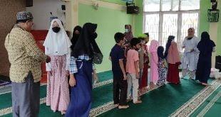 Dompet Dhuafa Singgalang Ikut Santuni Anak Yatim di Program JBB Masjid Al Quwait