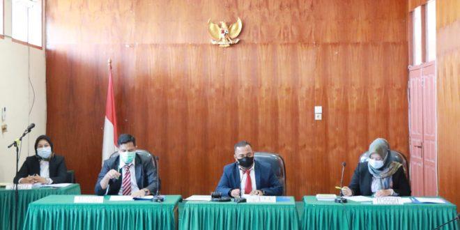 Sidang KI Sumbar dengan agenda pemeriksaan awal lanjutan masalah permohonan informasi publik kepada pejabat pengelola informasi dan dokumentasi PT Pelindo II Padang, Senin (30/8/2021)