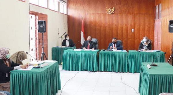 Sidang sengketa informasi dengan termohon PT Angkasa Pura II (Persero) Cabang BIM Padang dan PT PLN (Persero) Induk Wilayah Sumbar