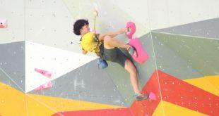 Ini atlet Apriana Nasution yang turun pada nomor boulder perorangan putri