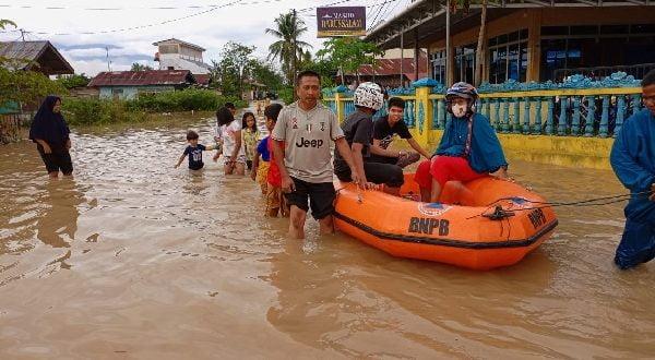 Hujan Deras, Kota Solok Terendam Banjir