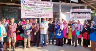 Tim Politani Payakumbuh berfoto bersama dengan kelompok tani Al-Falah, di Kelurahan Subarang Batuang, Kecamatan Payakumbuh Barat, Kota Payakumbuh. (Foto : Dok)
