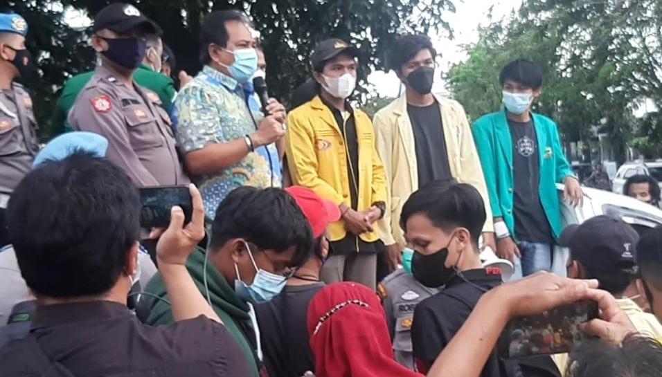 Korupsi Tanpa Kepastian Hukum, Mahasiswa Demo DPRD Sumbar