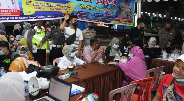 Vaksin di Sijunjung Sasar Pengunjung RTH Logas